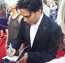Olympics Photos - Apolo Anton Ohno - Ohno at the movie premiere of <i>Pirates of the Caribbean 3</i>.