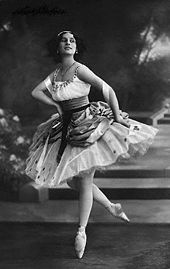 Olympics Photos - Anna Pavlova - <center>Anna Pavlova as Lise in the <i>Pas de ruban</i> from the Petipa/Ivanov/Hertel <i>La Fille Mal Gard%C3%A9