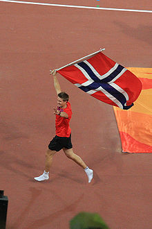 Olympics Photos - Andreas Thorkildsen - Thorkildsen celebrating his gold medal in Beijing