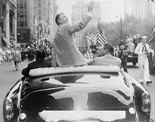 Golf Photos - Ben Hogan - Hogan's homecoming ticker-tape parade in New York