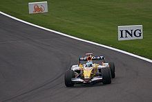 Motorsports Photos - Fernando Alonso - Alonso driving for Renault at the 2008 Belgian Grand Prix.