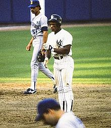 Baseball Photos - Rickey Henderson - Henderson playing for the New York Yankees in 1988