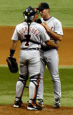 Baseball Photos - Ivan Rodriguez - Rodríguez talking with Mike Maroth while playing for the Detroit Tigers