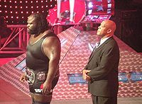 Sports Photos - Mr. Usa Tony Atlas - Mark Henry accompanied by Tony Atlas