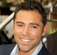 Boxing Photos - Oscar De La Hoya