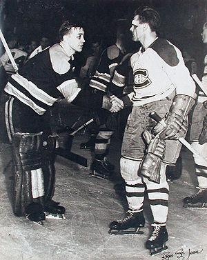 Hockey Photos - Maurice Richard - Sugar Jim Henry and Richard shaking hands after Canadiens' 1952 Stanley Cup semi-final win
