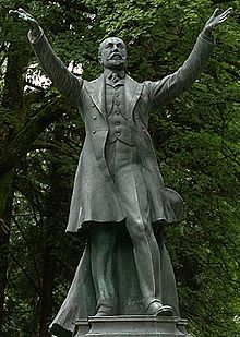 Hockey Photos - Frederick Stanley - A statue of Lord Derby stands in Stanley Park