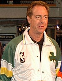 Basketball Photos - Dave Cowens