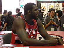Basketball Photos - Greg Oden - Oden at the 2008 San Diego Comic Book convention