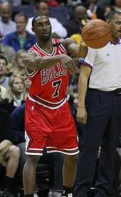 Basketball Photos - Ben Gordon - Gordon during a 2008%E2%80%9309 NBA season