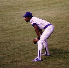 Baseball Photos - Andre Dawson - Dawson in right field at Wrigley Field