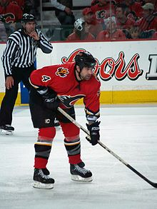 Hockey Photos - Roman Hamrlik - Hamrlík as a member of the Calgary Flames