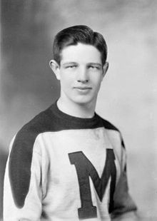 Hockey Photos - David Bauer - David Bauer - St. Michael's College Hockey Team (1944)