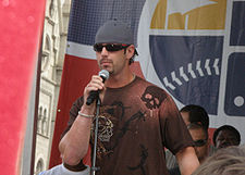 Baseball Photos - Aaron Rowand - Rowand at a 2007 Philadelphia Phillies rally
