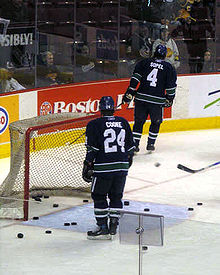 Hockey Photos - Matt Cooke - Cooke with the Vancouver Canucks in 2006%E2%80%9307 NHL season