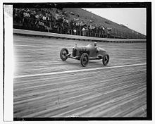 Motorsports Photos - Peter Depaolo - Pete DePaolo racing in 1925
