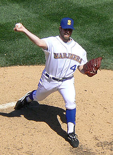 Baseball Photos - R.A. Dickey - Dickey pitching for the Seattle Mariners in 2008