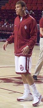 Basketball Photos - Blake Griffin - Griffin while playing at Oklahoma