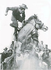 Sports Photos - Rodeo - Alan Wood on the great bucking mare