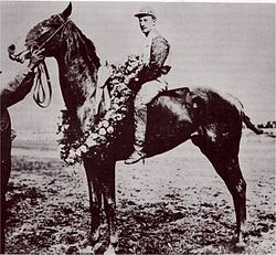 Horse Racing Photos - 1907 KentuckyDerby - Pink Star and jockey Andy Minder after their win in the 1907 Kentucky Derby.