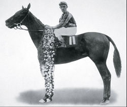 Horse Racing Photos - 1916 KentuckyDerby - Johnny Loftus aboard George Smith<br />
