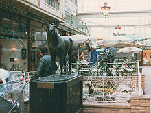Horse Racing Photos - Red Rum - Red Rum Statue Southport