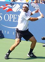 Tennis Photos - 2009 US Open (Tennis) - Fernando González returning to Tom%C3%A1%C5%A1 Berdych