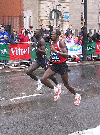 Sports Photos - London Marathon - 2006 winner Felix Limo (left) and 2005, 2007 and 2008 winner Martin Lel (right).