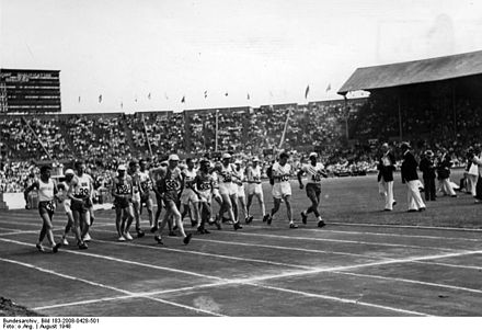 Olympics Photos - 1948 Summer Olympics - 501%2C London%2C Olympiade%2C Sart der Geher
