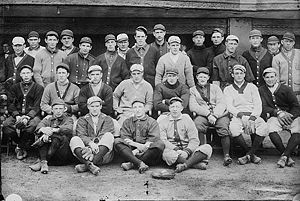 Baseball Photos - Cincinnati Reds - Cincinnati Reds baseball team in 1909