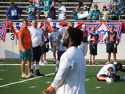 Football Photos - Miami Dolphins - Ricky Williams in his first game back from retirement