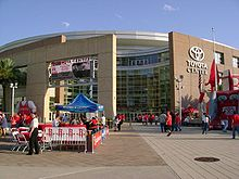 Basketball Photos - Houston Rockets - The Rockets moved into the Toyota Center at the start of the 2003â