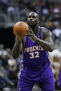 Basketball Photos - Shaquille O'Neal - O'Neal's free throw shooting is regarded as one of his major weaknesses.